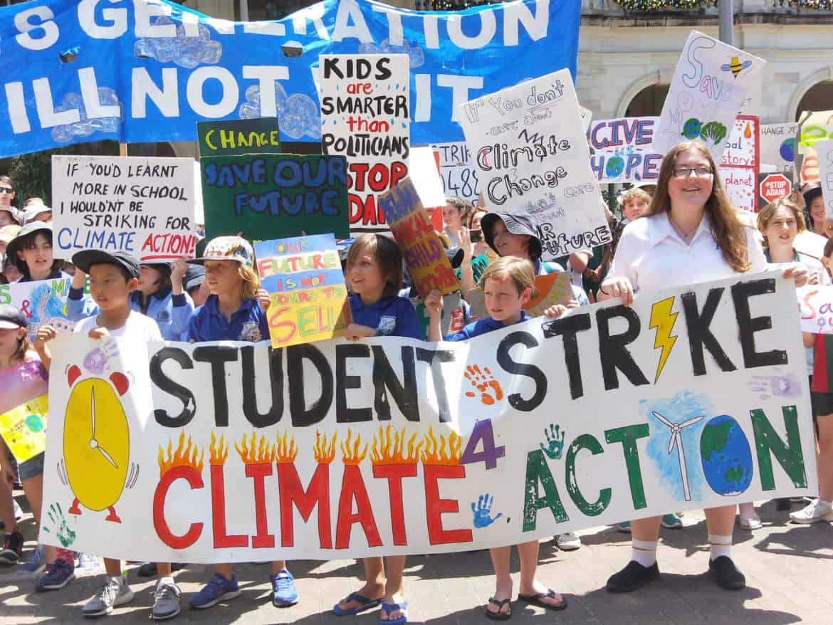 kids protesting against climate change
